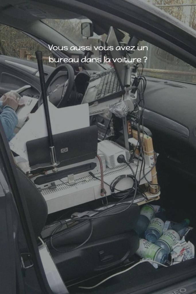 bureau dans la voiture